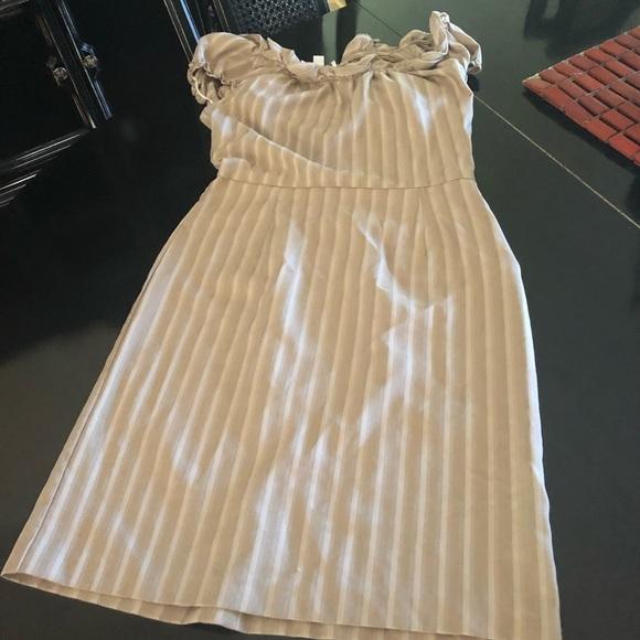karin stevens Dresses & Skirts - Size 6 beige Karin Stevens dress